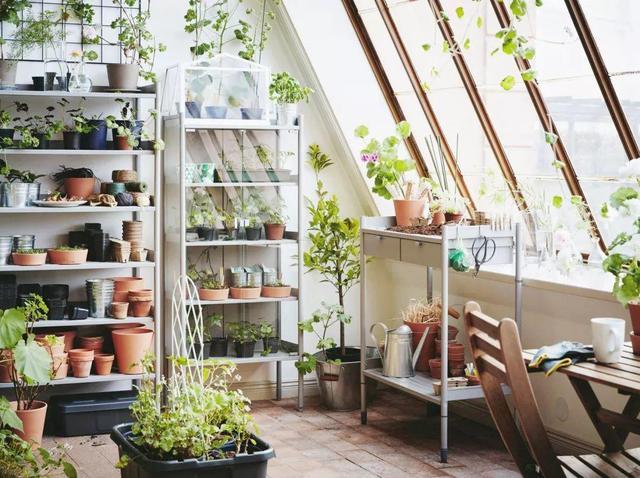 【117平米装修多少钱】还羡慕别墅有小院?小阳台这么做也能变大花园!